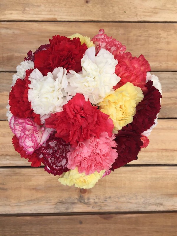 Charming - Beautiful Carnations Bouquet