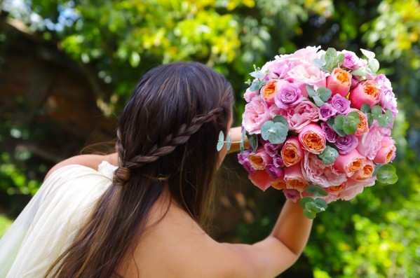 Cheerful-Wedding-Bouquet