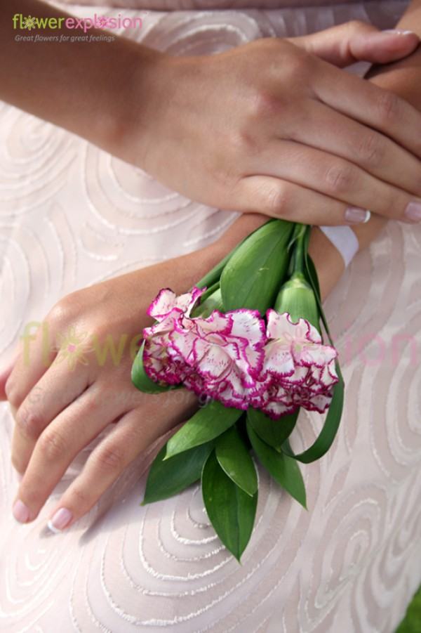 Purple & White Carnations Hand-Tied Bracelet